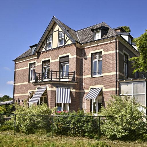 Villa de Horsting te Laag-Soeren