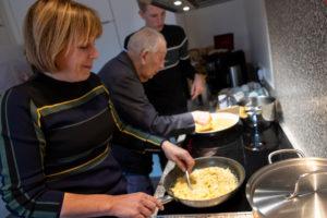 Familiegevoel in de keuken met bewoners